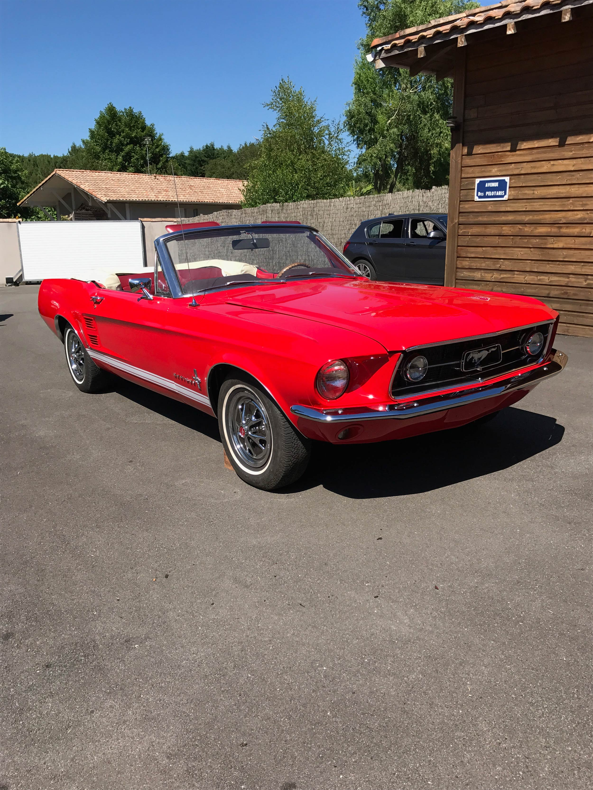 Vintage cars ford mustang cabriolet 1967
